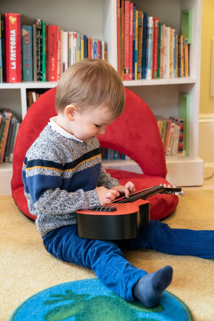 Online Language Learning with Guitar